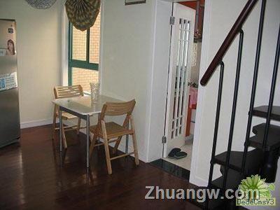 一室一厅小阁楼装修 客厅效果图 一居 简约 3万以下 装修图库