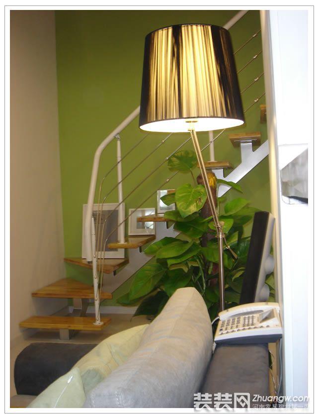 刚刚装完的简约现代风格小复式 客厅效果图 复式 现代 8万 装修图库