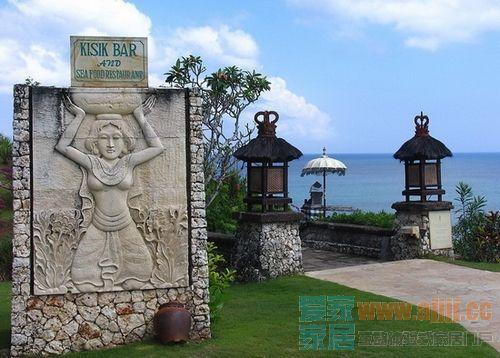 另外印尼三大野生动物园之一的巴厘岛野生动物园也不可错过.