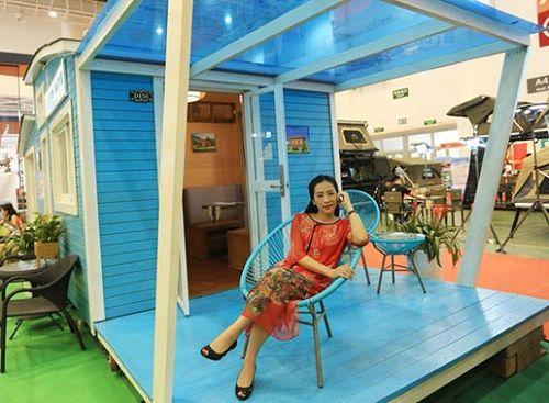 """博来雅""""海陆空""""主题风房车木屋成首届厦门国际自驾和露营生活博览会""""新宠"""""""